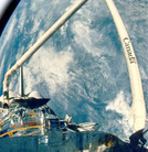 Canadarm_earth